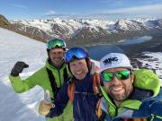 Island_Akuyeri_Viking_Heliskiing_Fjord_Gipfel_Johann_Kenny_Bjoernvin_travel-zone.ch_